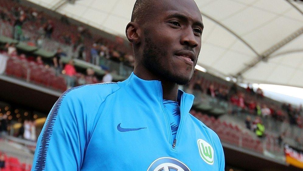 Josuha Guilavogui bleibt bis 2023 beim VfL Wolfsburg - Bildquelle: FIROFIROSID