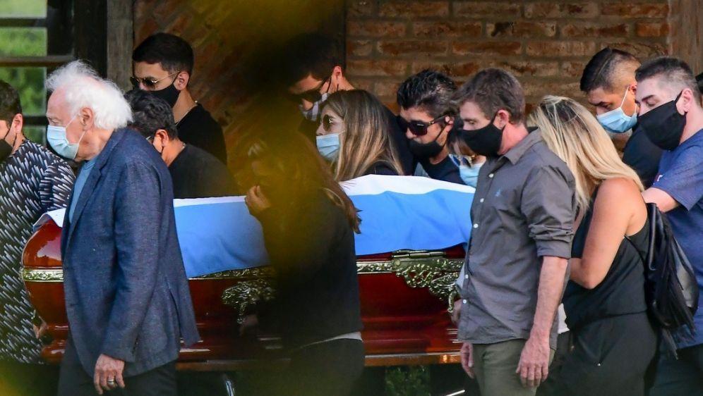 Maradona wurde in einer privaten Zeremonie beigesetzt - Bildquelle: AFPSIDRONALDO SCHEMIDT