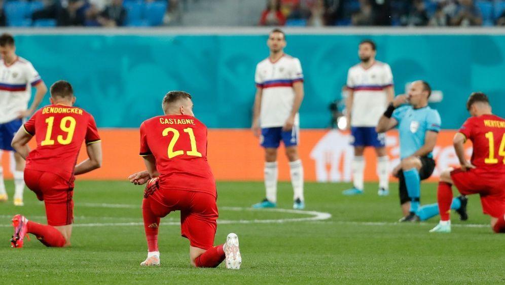 UEFA fordert mehr Respekt von den Zuschauern - Bildquelle: AFPSIDANATOLY MALTSEV