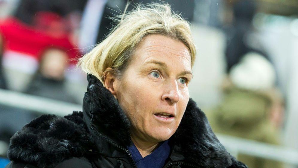 Nimmt 30 Spielerinnen mit: Martina Voss-Tecklenburg - Bildquelle: PIXATHLONPIXATHLONSID