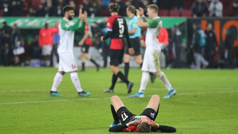 Augsburg schießt Hertha BSC noch tiefer in die Krise - Bildquelle: imago