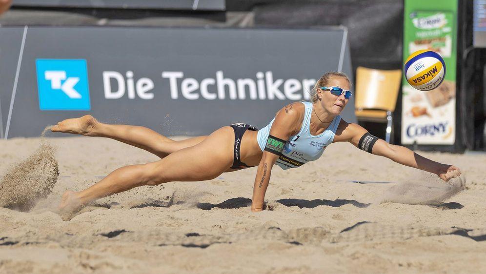 Kim Behrens gehört mit ihrer Partnerin Cinja Tillmann zu den Top-Favoriten i... - Bildquelle: Imago