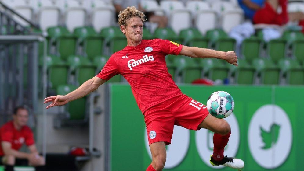 Johannes van den Bergh für zwei Spiele gesperrt - Bildquelle: FIROFIROSID