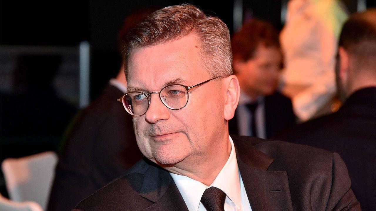 Reinhard Grindel als DFB-Präsident zurückgetreten - Bildquelle: imago images / Revierfoto
