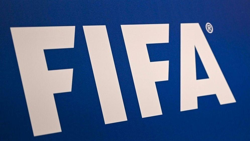 Laut FIFA: Spielervermittler kassieren immer mehr - Bildquelle: AFPSIDOZAN KOSE