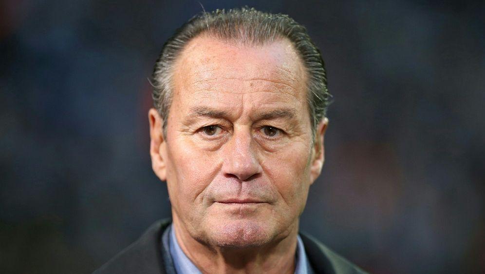 Ex-Schalke-Trainer Stevens ist positiv eingestellt - Bildquelle: PIXATHLONPIXATHLONSID