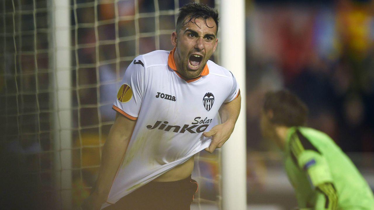 Platz 10 - Paco Alcacer (FC Valencia) - Bildquelle: imago/ZUMA Press