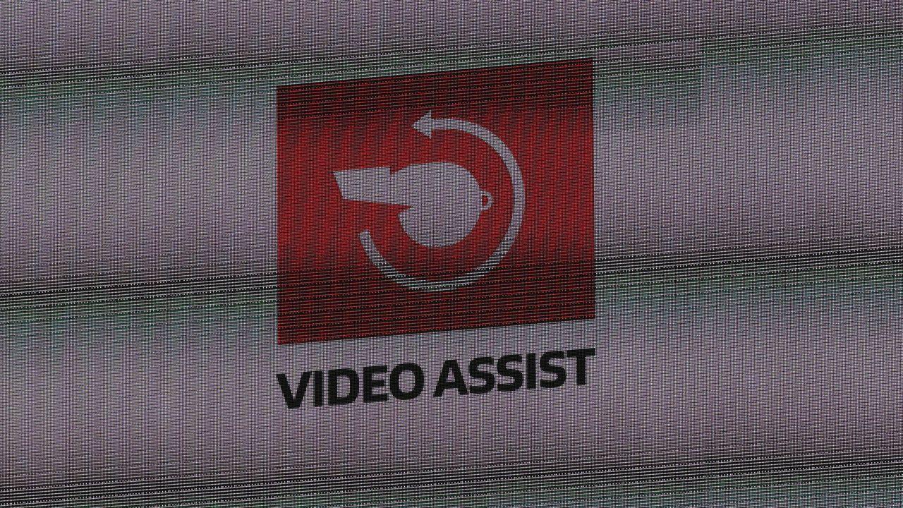 2. Der Videokeller lässt keine Gegentore des HSV mehr zu - Bildquelle: imago images/Hübner