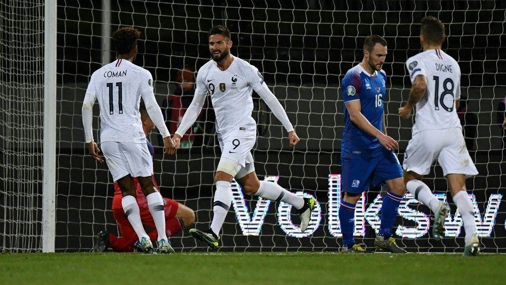 Giroud erzielt den Siegtreffer für die Franzosen - Bildquelle: AFPSIDJONATHAN NACKSTRAND