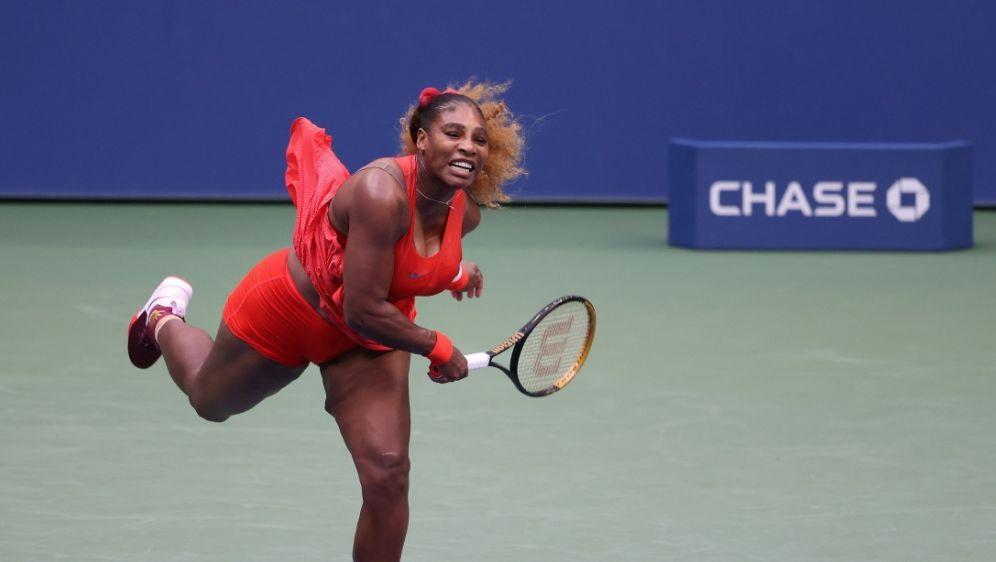 Serena Williams steht in New York in Runde zwei - Bildquelle: GETTY IMAGES NORTH AMERICAGETTY IMAGES NORTH AMERICASIDAL BELLO