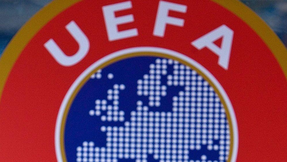 UEFA: Der FC Barcelona muss 30.000 Euro Strafe zahlen - Bildquelle: SID-SID-AFP