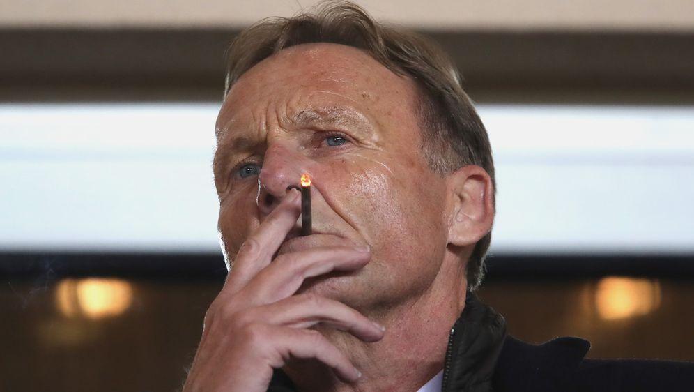 BVB-Boss Hans-Joachim Watzke will den Profi-Fußball nach der Corona-Krise ve... - Bildquelle: getty