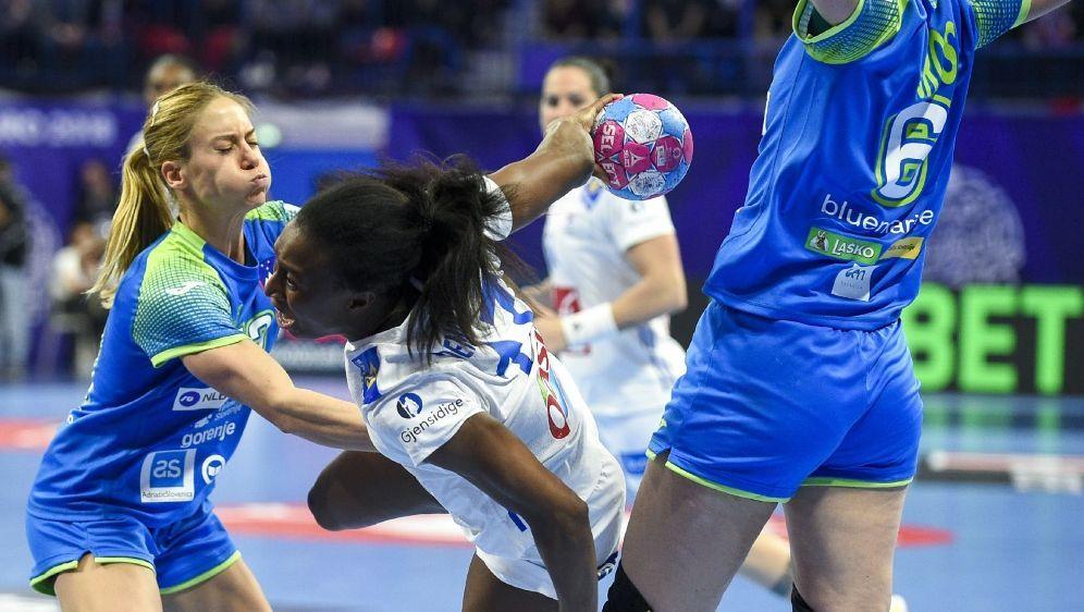 Frankreichs Handballerinnen mit Fehlstart in WM - Bildquelle: AFPSIDJEAN-CHRISTOPHE VERHAEGEN