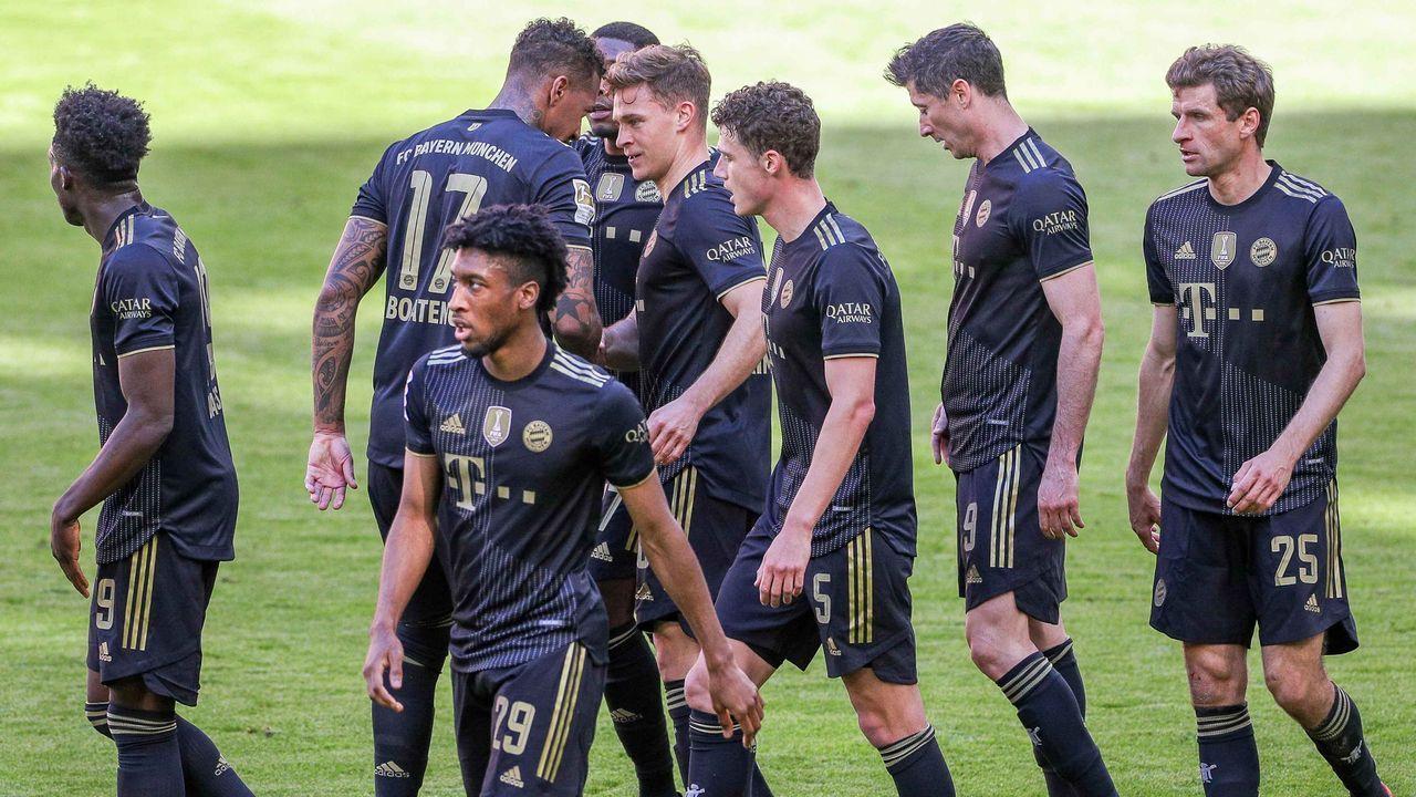 Platz 1: FC Bayern München (14 Spieler) - Bildquelle: imago images