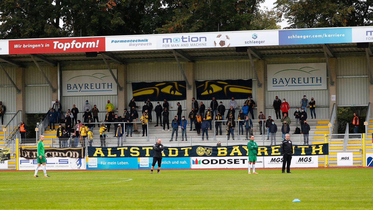 SpVgg Bayreuth - Arminia Bielefeld - Bildquelle: imago images/Peter Kolb
