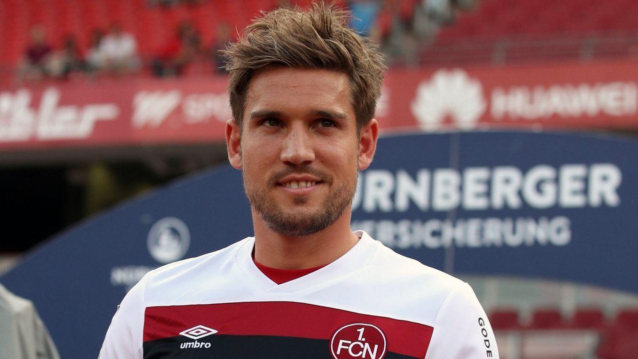 Abwehr - Oliver Sorg (1. FC Nürnberg) - Bildquelle: (c) Sportfoto Zink Fürth
