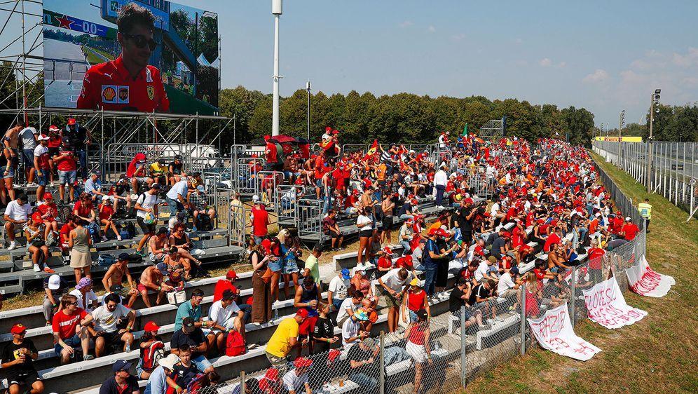 46.000 Fans kamen zum Großen Preis von Italien - zu wenig für die Planungen ... - Bildquelle: AFPSIDANDREJ ISAKOVIC