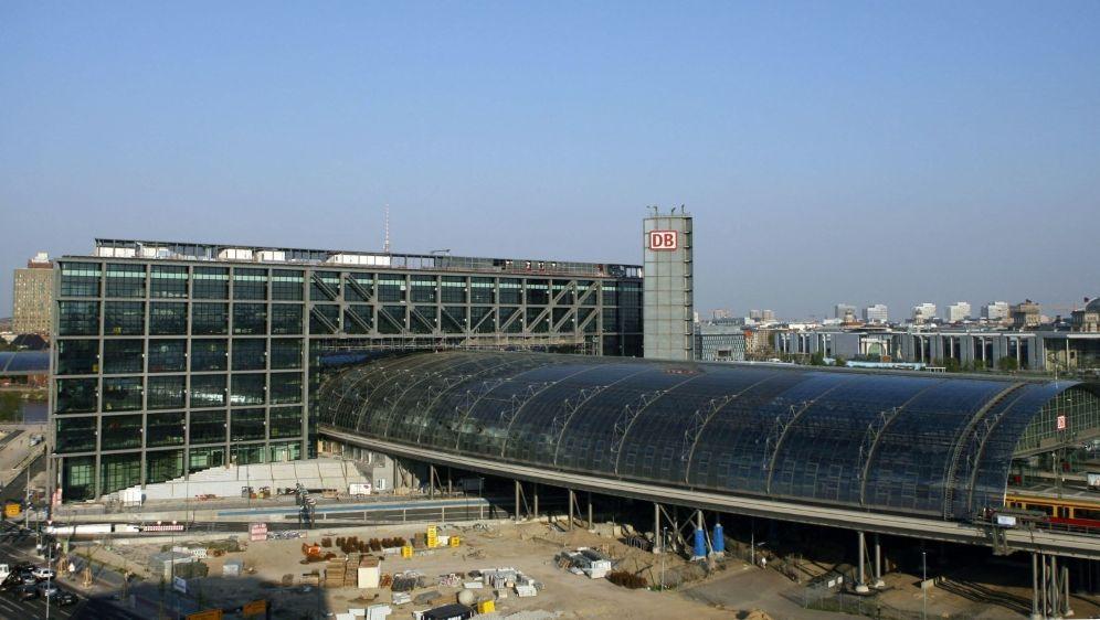 Deutsche Sporthilfe lässt Hauptbahnhof in Berlin beleuchten - Bildquelle: AFPSIDJOHN MACDOUGALL