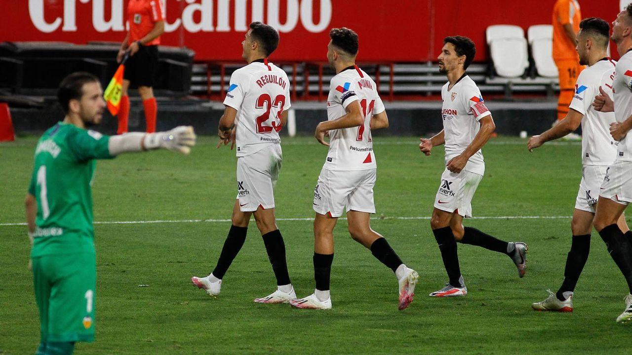 Platz 4: FC Sevilla - Bildquelle: imago images/ZUMA Wire