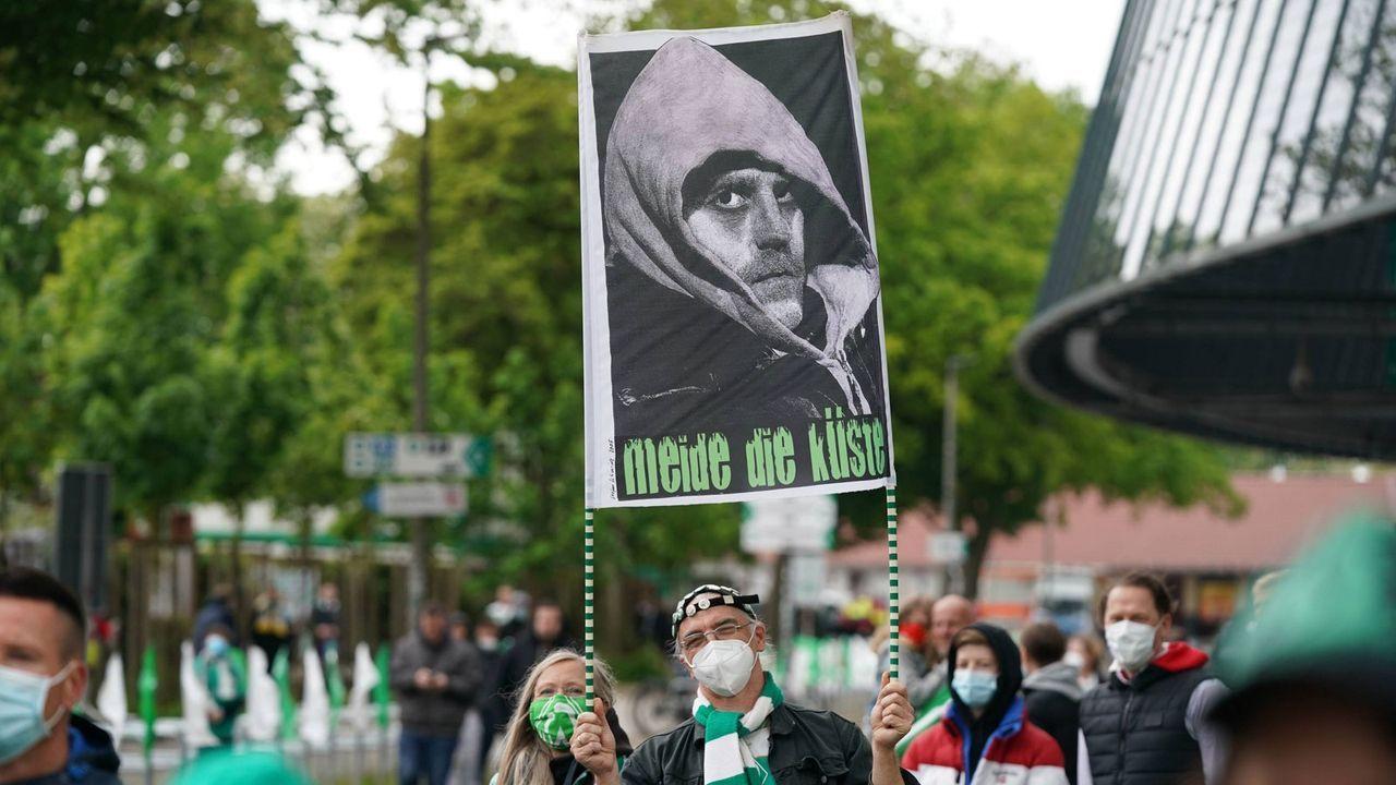 Bremen: Die Hoffnung ruht auf Thomas Schaaf - Bildquelle: Imago Images