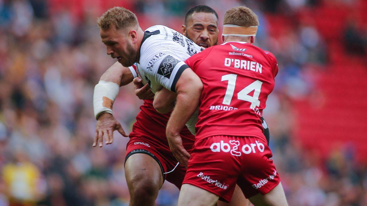 Rausgesprungene Kniescheibe: Rugby-Star spielt weiter - Bildquelle: imago images / Focus Images