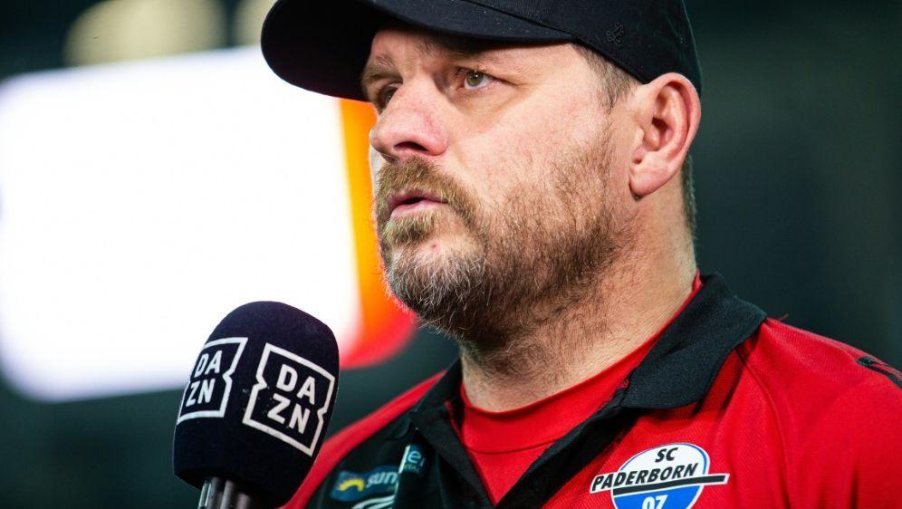 Baumgart glaubt nicht an Verbesserung der Fußballwelt - Bildquelle: FIROFIROSID