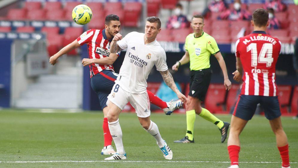 Toni Kroos hat mit Real Madrid einen Punkt im Stadtderby geholt. - Bildquelle: imago images/ZUMA Wire