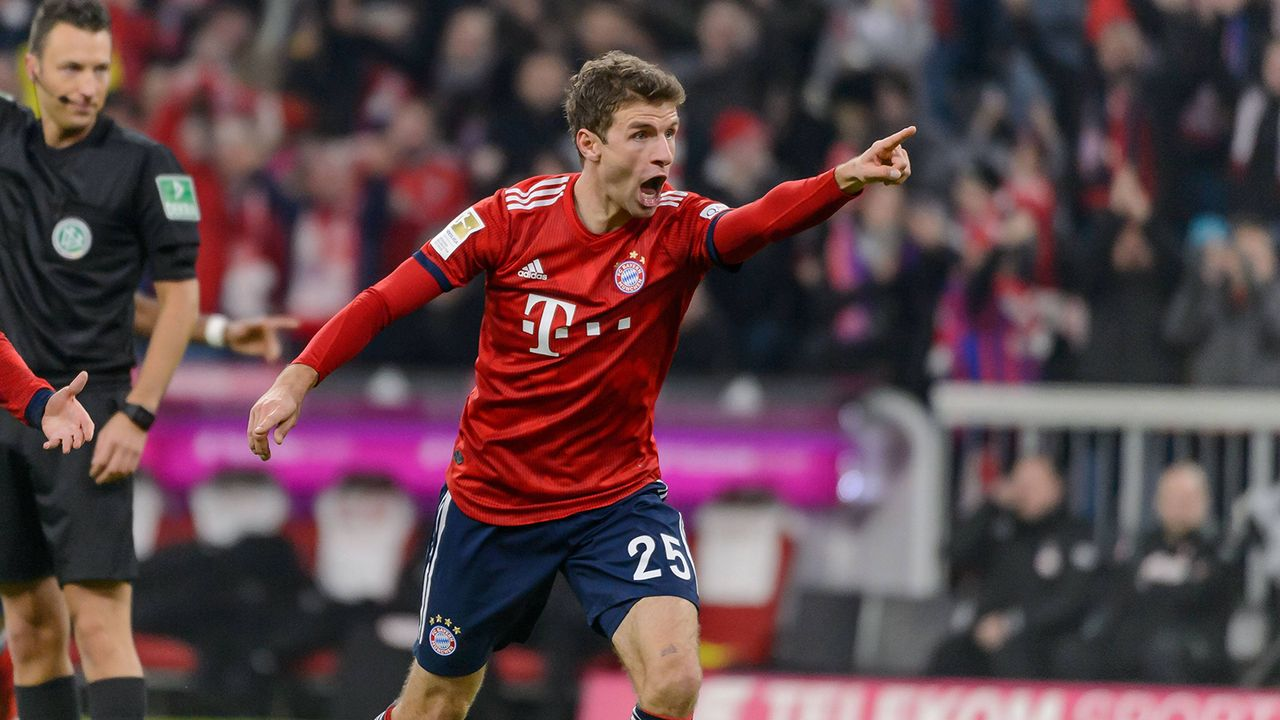 Offensives Mittelfeld: Thomas Müller - Bildquelle: Imago