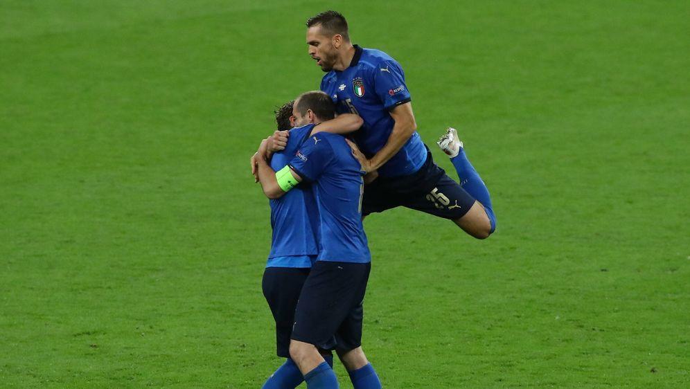 Donnarumma hält gegen Morata - Italien im Finale - Bildquelle: AFPSIDJUSTIN TALLIS