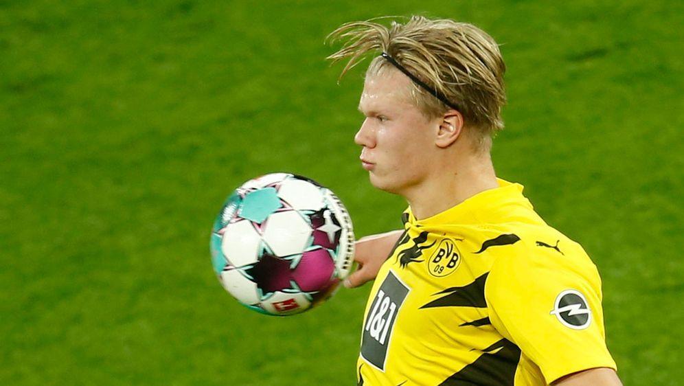 Der Dortmunder Erling Haaland kann mit sehr breiter Brust in die Partie gege... - Bildquelle: 2020 Getty Images