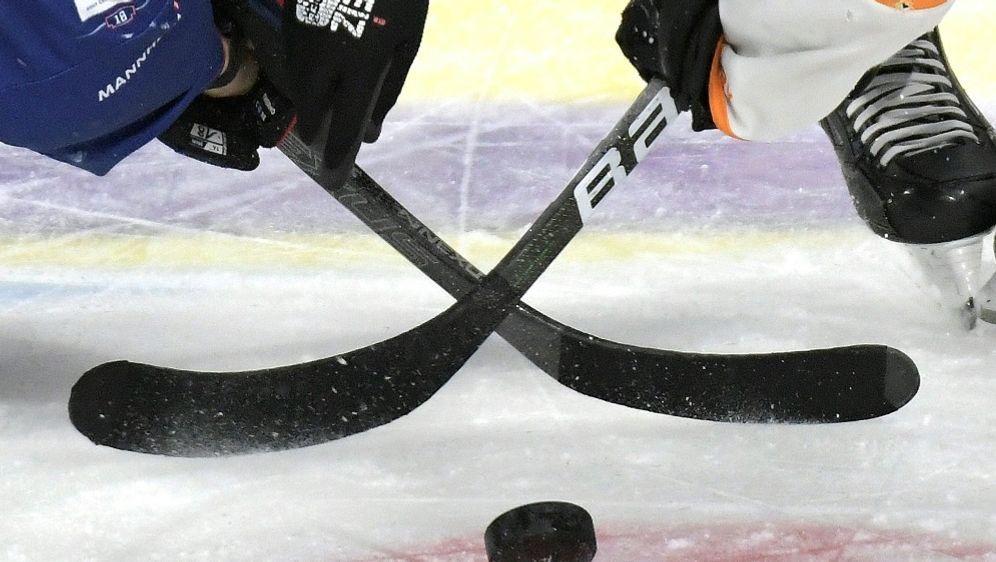 Krefelder Pinguine verspielen Sieg - Bildquelle: FIROFIROSID