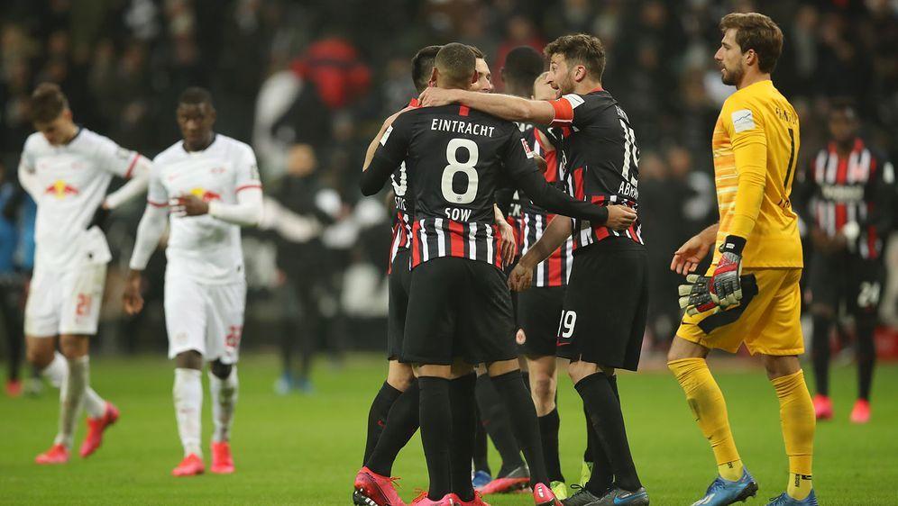 Gegen Frankfurt kassiert RB Leipzig die erste Niederlage seit Oktober. - Bildquelle: 2020 Getty Images
