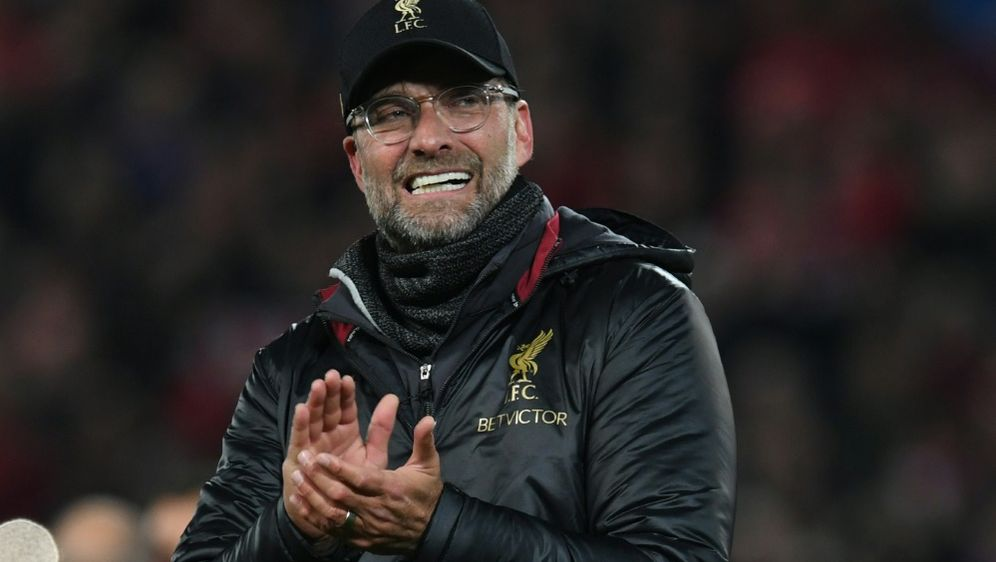 Auszeichnung für Liverpool-Trainer Jürgen Klopp - Bildquelle: AFPSIDPAUL ELLIS