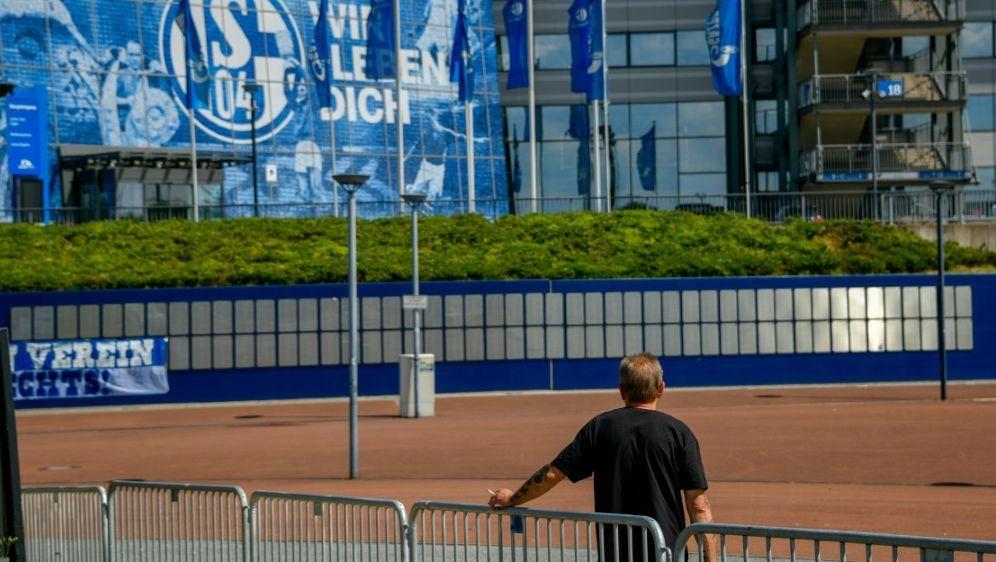 NRW gewährt Schalke 04 eine 40 Millionen-Euro-Bürgschaft - Bildquelle: AFPSIDSASCHA SCHUERMANN