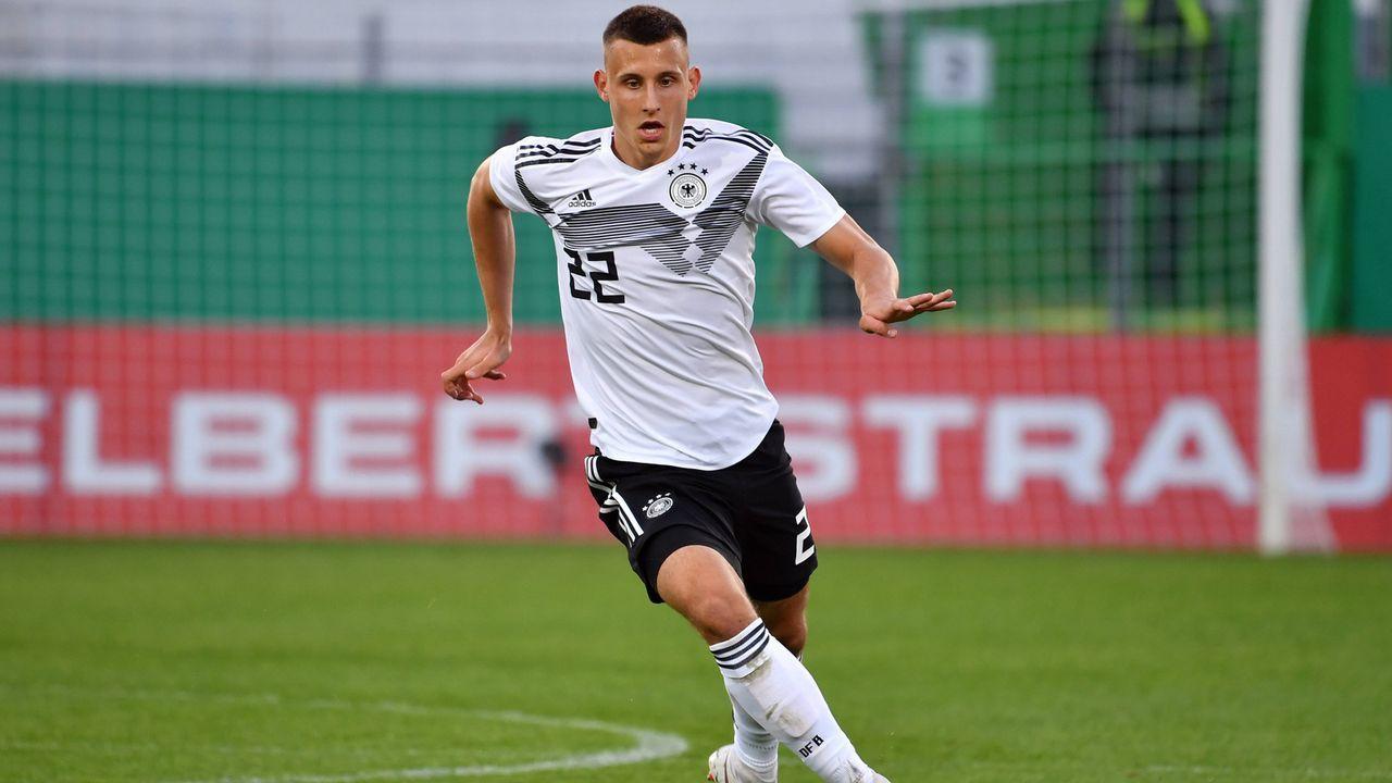 SV Werder Bremen - 6 Spieler - Bildquelle: imago images / Sven Simon