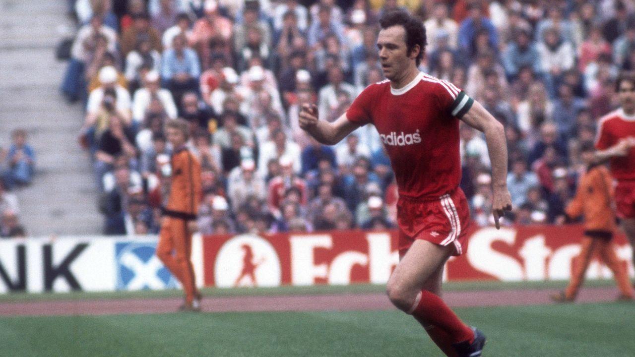 Platz 6: Franz Beckenbauer und zwölf weitere Ex-Spieler - Bildquelle: imago/WEREK