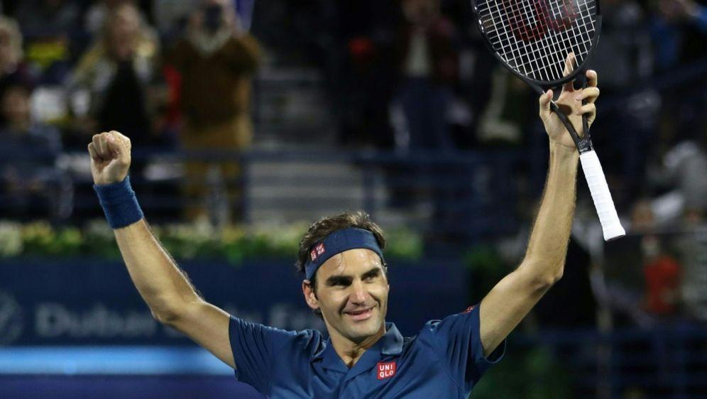 Federer gewann das Finale in Dubai gegen Tsitsipas - Bildquelle: AFPSID