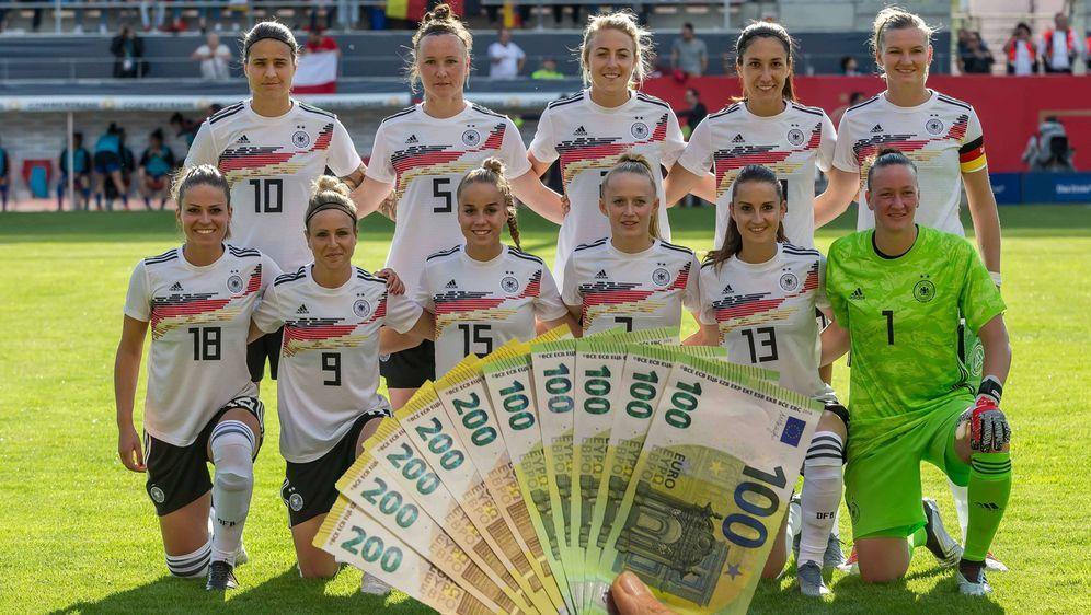Die Spielerinnen der deutschen Nationalmannschaft zählen zu den Besserverdie... - Bildquelle: imago