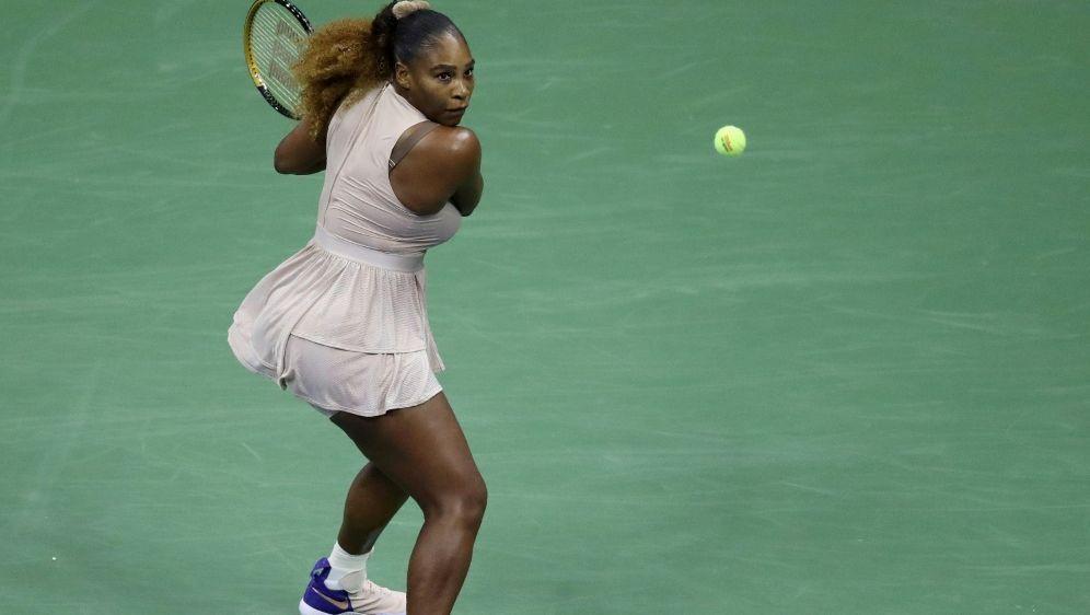 Serena Williams steht bei den US Open in Runde drei. - Bildquelle: AFPGETTYSIDMATTHEW STOCKMAN