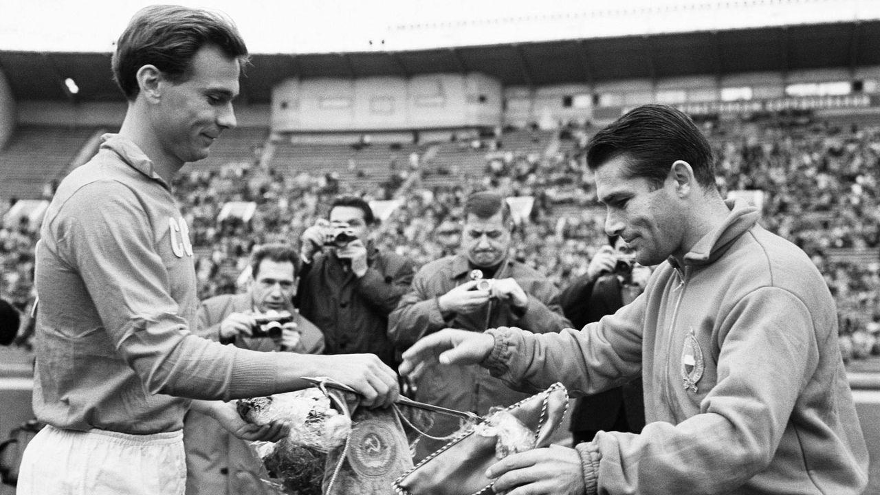 EM 1960: Valentin Ivanov (UdSSR, li.) - Bildquelle: Imago Images
