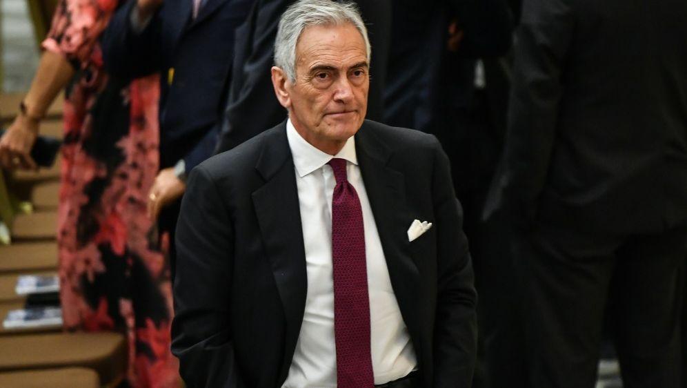 Fußballchef Gravini will Saison unbedingt beenden - Bildquelle: AFPSIDANDREAS SOLARO