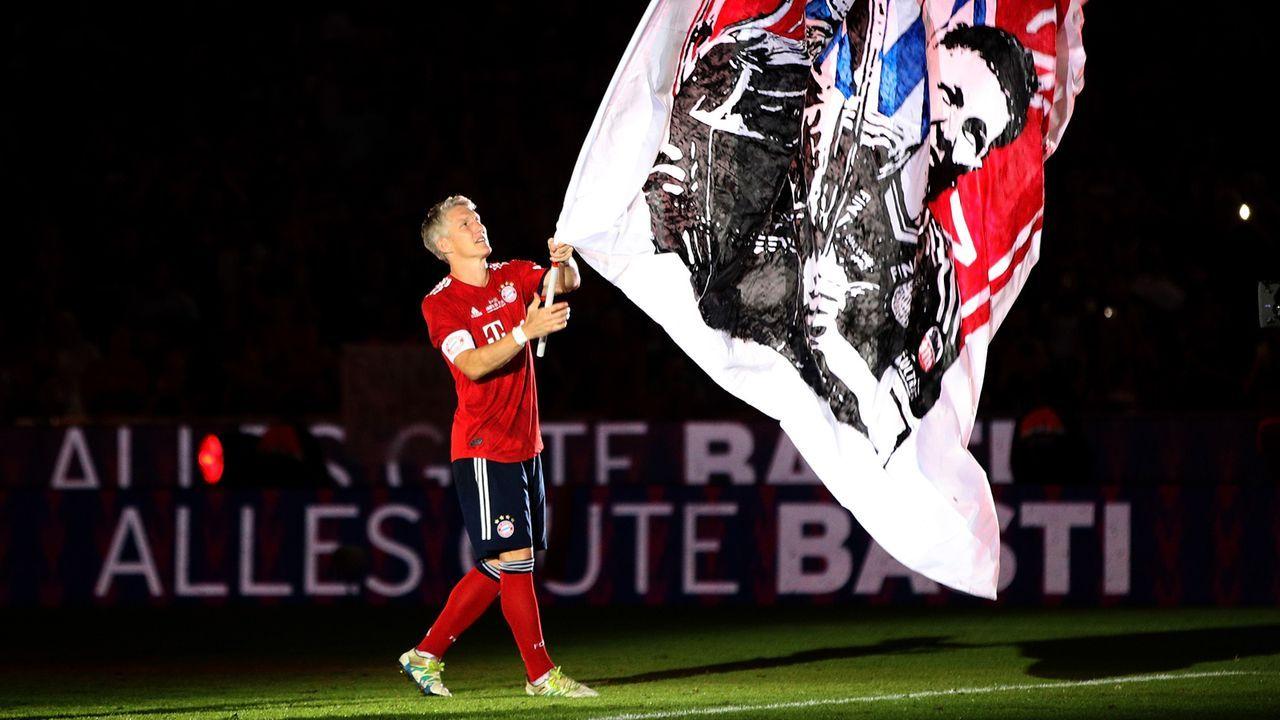 Zentrales Mittelfeld: Bastian Schweinsteiger - Bildquelle: 2018 Getty Images