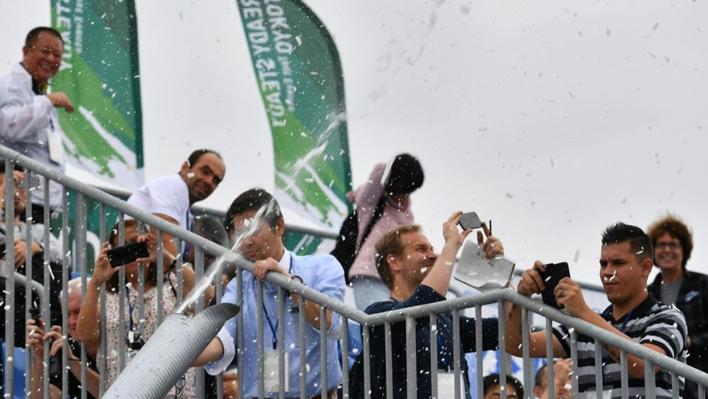 Tokio kämpft mit Kunstschnee gegen Hitzewelle - Bildquelle: AFPSIDTOSHIFUMI KITAMURA