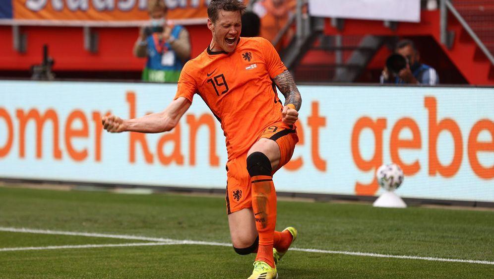 Für Sneijder ist Weghorst kein Startelf-Kandidat - Bildquelle: AFPSID