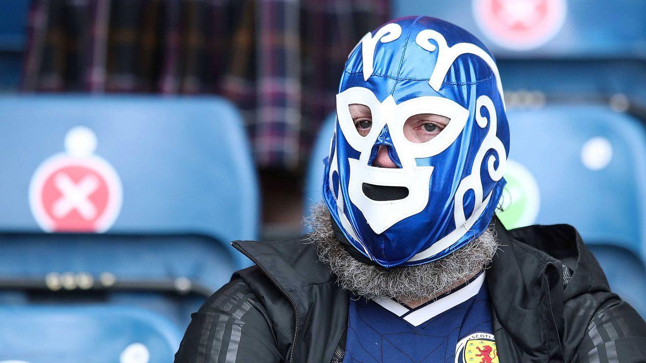 Schottische Fans 2.0 - Bildquelle: imago images/Pixsell