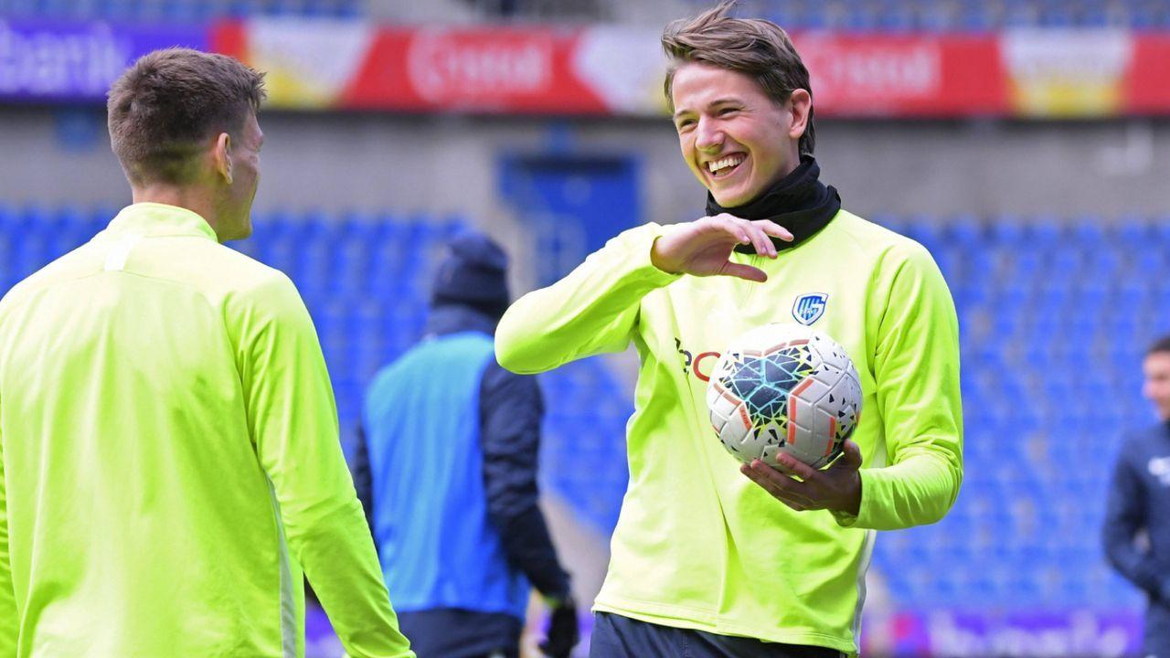 Belgien-Star Sander Berge mit Jugend-Torhüter verwechselt  - Bildquelle: imago