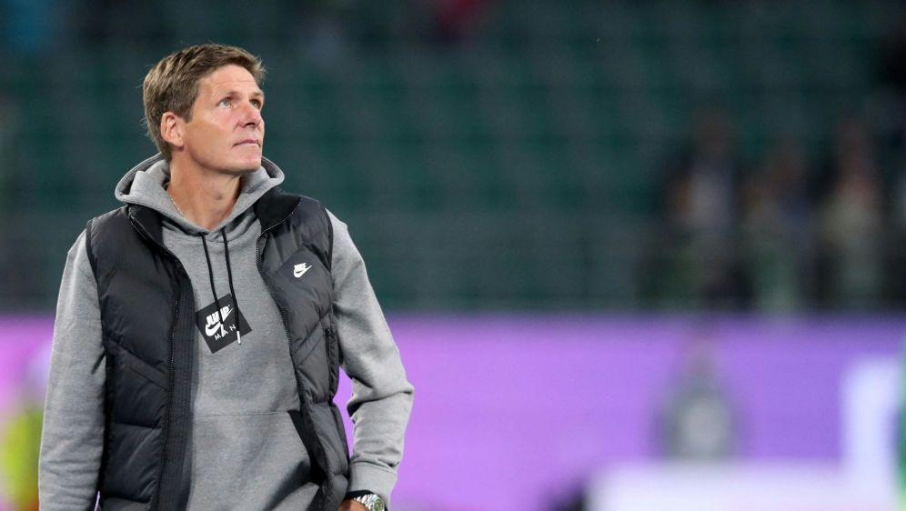 Frankfurt-Trainer Glasner ist noch nicht zufrieden - Bildquelle: AFP/SID/RONNY HARTMANN