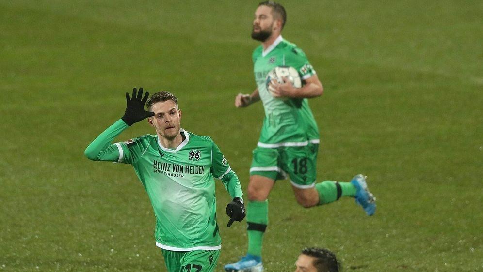 Hannover und Kiel verzichten auf Mannschaftstraining - Bildquelle: FIROFIROSID