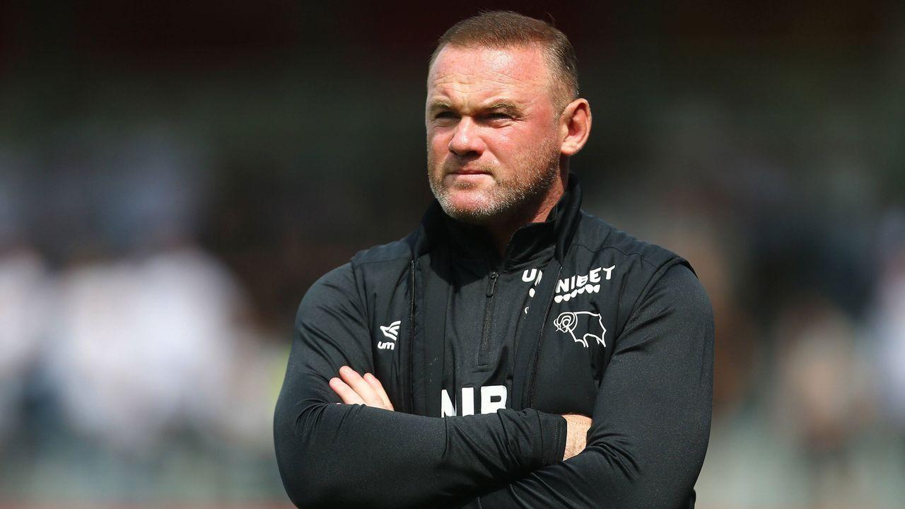 Wayne Rooney verletzt eigenen Spieler im Training - Bildquelle: imago images/Shutterstock