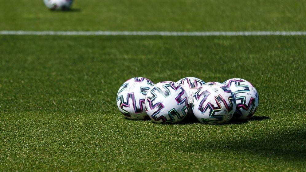 Katja Kraus fordert weiter Frauenquote im Spitzenfußball - Bildquelle: FIROFIROSID